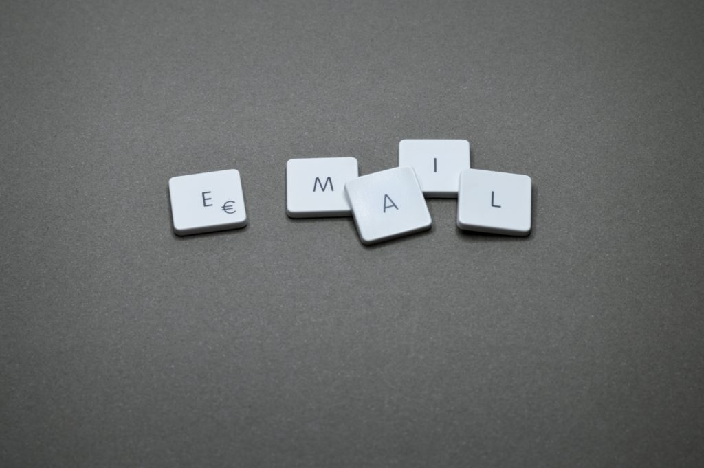 E-mail scrabble background